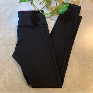 LULULEMON mid-rise legging w/coloured inner band